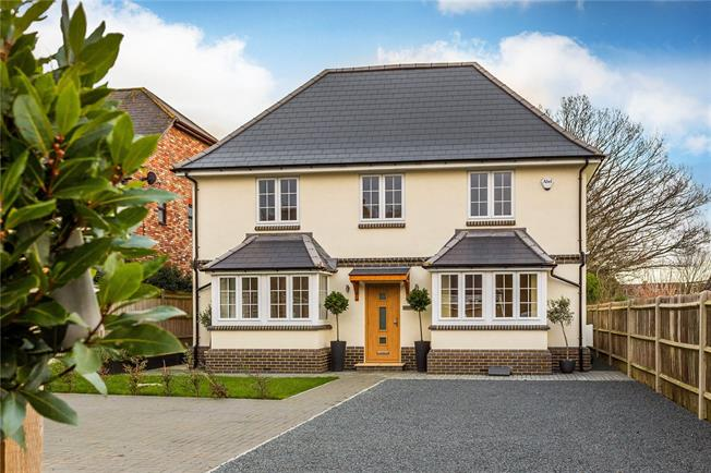 Asking Price £850,000, 5 Bedroom Detached House For Sale in Kent, TN10