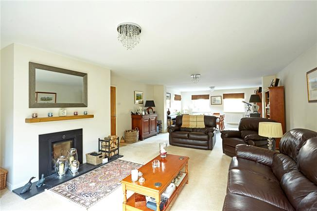 Guide Price £1,250,000, 5 Bedroom Detached House For Sale in Sevenoaks, TN13