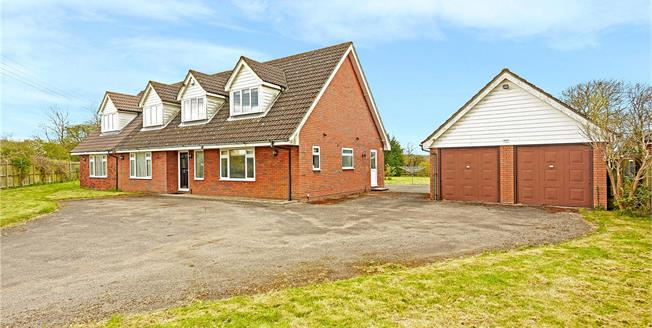 Guide Price £850,000, 5 Bedroom Detached House For Sale in West Kingsdown, TN15