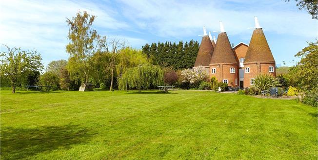 Guide Price £1,150,000, 5 Bedroom Semi Detached House For Sale in East Peckham, Tonbridge, TN12
