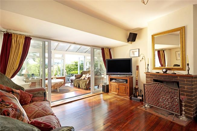 Guide Price £750,000, 5 Bedroom Detached House For Sale in Farningham, DA4