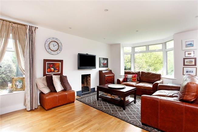 Guide Price £829,500, 4 Bedroom Semi Detached House For Sale in Sevenoaks, Kent, TN13