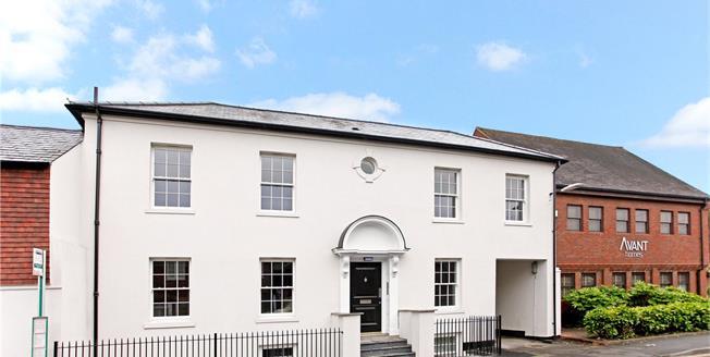 Guide Price £235,000, 1 Bedroom Flat For Sale in Westerham, TN16