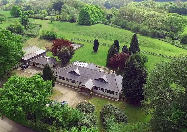 Guide Price £1,650,000, 5 Bedroom Detached House For Sale in Westerham, TN16