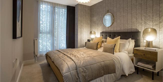 Asking Price £515,000, 2 Bedroom Flat For Sale in Sevenoaks, Kent, TN13