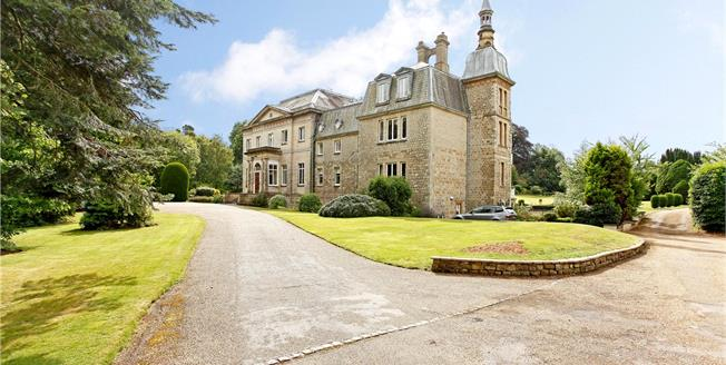 Guide Price £595,000, 3 Bedroom Flat For Sale in Brasted, TN16