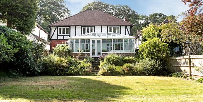 Guide Price £1,050,000, 5 Bedroom Detached House For Sale in Kent, TN13