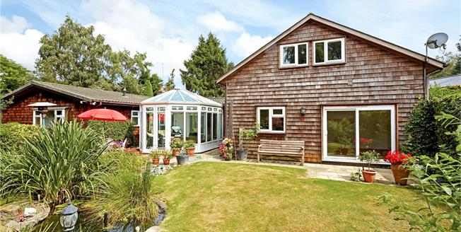 Guide Price £650,000, 3 Bedroom Bungalow For Sale in Sevenoaks, Kent, TN15
