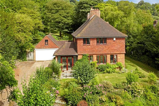 Guide Price £895,000, 4 Bedroom Detached House For Sale in Wrotham, TN15
