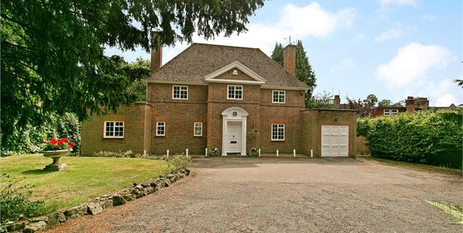 Guide Price £1,150,000, 4 Bedroom Detached House For Sale in Kent, TN13