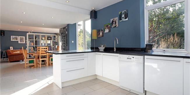 Guide Price £850,000, 4 Bedroom Detached House For Sale in Kent, TN16