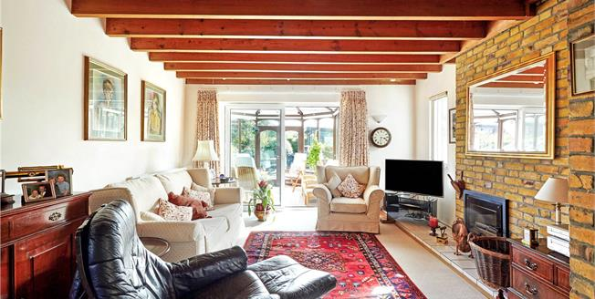 Guide Price £560,000, 3 Bedroom Semi Detached House For Sale in Kemsing, TN15