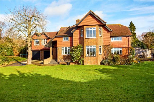 Guide Price £1,250,000, 7 Bedroom Detached House For Sale in Kent, TN10