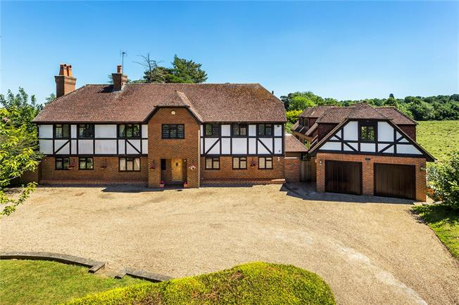 Guide Price £1,995,000, 6 Bedroom Detached House For Sale in Kent, TN13