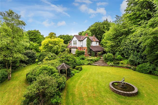 Guide Price £1,400,000, 5 Bedroom Detached House For Sale in Westerham, TN16