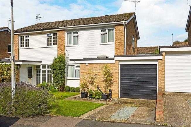 Guide Price £495,000, 3 Bedroom Semi Detached House For Sale in Sevenoaks, TN13
