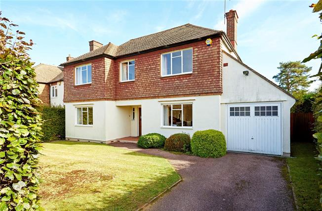 Guide Price £1,000,000, 4 Bedroom Detached House For Sale in Sevenoaks, TN13