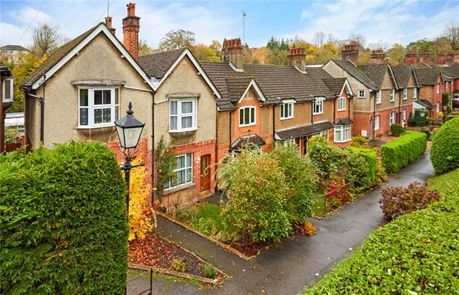 Guide Price £425,000, 2 Bedroom Semi Detached House For Sale in Kent, TN13