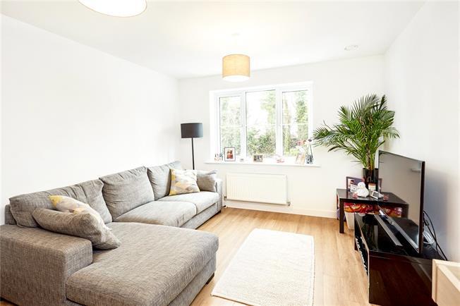 Offers in excess of £260,000, 1 Bedroom Flat For Sale in Dunton Green, Sevenoaks, TN14