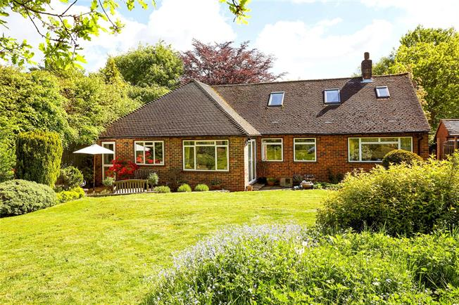 Guide Price £750,000, 4 Bedroom Detached House For Sale in Sevenoaks, TN14