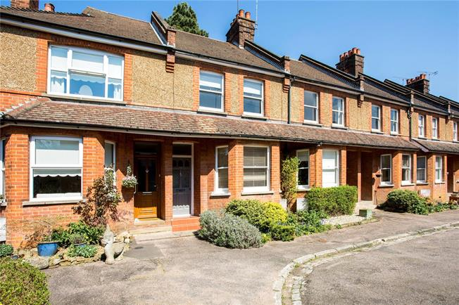 Asking Price £557,750, 3 Bedroom Terraced House For Sale in Sevenoaks, TN13