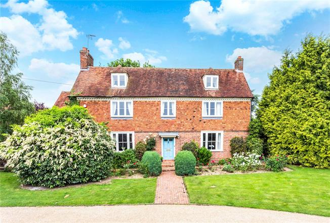 Guide Price £1,150,000, 6 Bedroom Detached House For Sale in Tonbridge, TN12