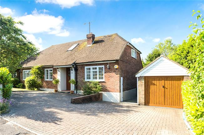 Guide Price £750,000, 4 Bedroom Detached House For Sale in Kemsing, TN15