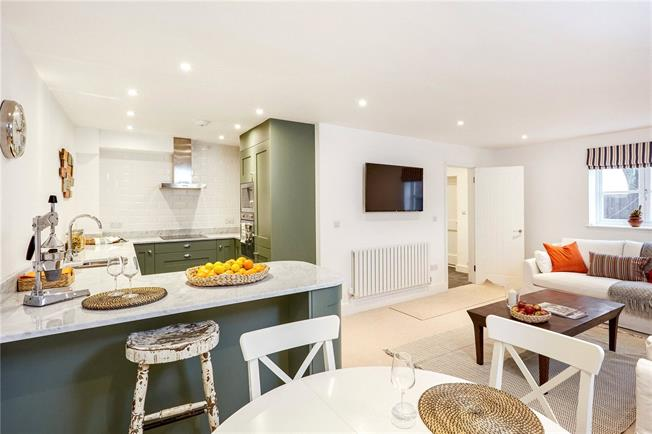 Asking Price £395,000, 2 Bedroom Terraced House For Sale in Seal, TN15