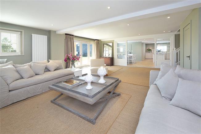 Asking Price £850,000, 3 Bedroom Terraced House For Sale in Sevenoaks, Kent, TN15