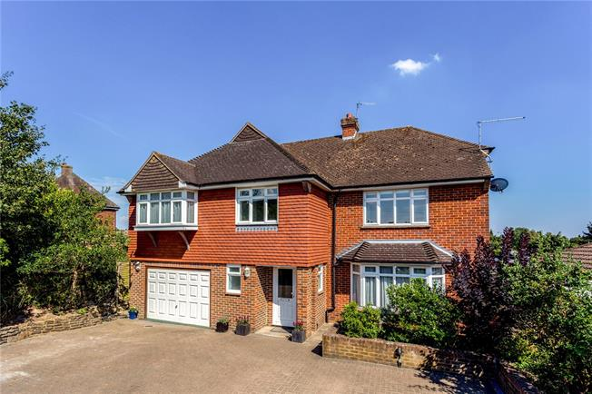 Asking Price £825,000, 5 Bedroom Detached House For Sale in Kent, TN10