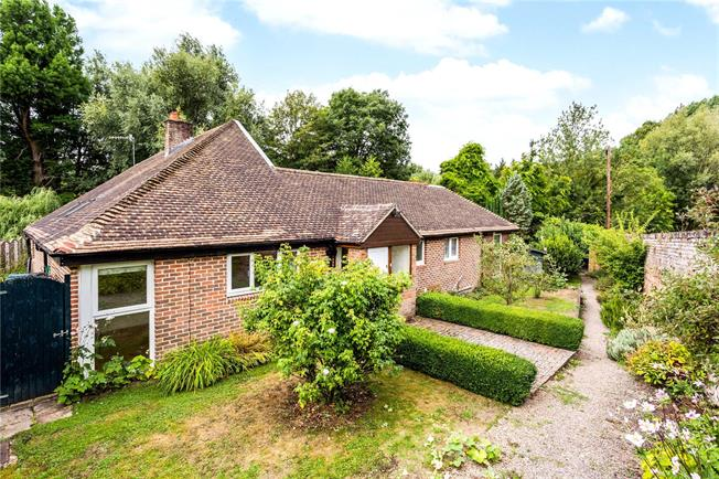 Asking Price £775,000, 4 Bedroom Detached House For Sale in Shoreham, TN14