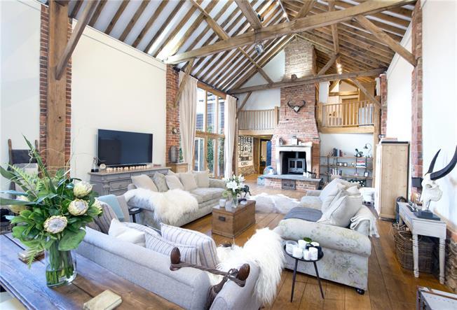 Guide Price £1,295,000, 3 Bedroom House For Sale in Sevenoaks, Kent, TN15
