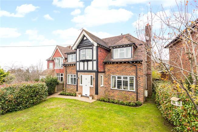Asking Price £1,125,000, 4 Bedroom Detached House For Sale in Sevenoaks, TN13