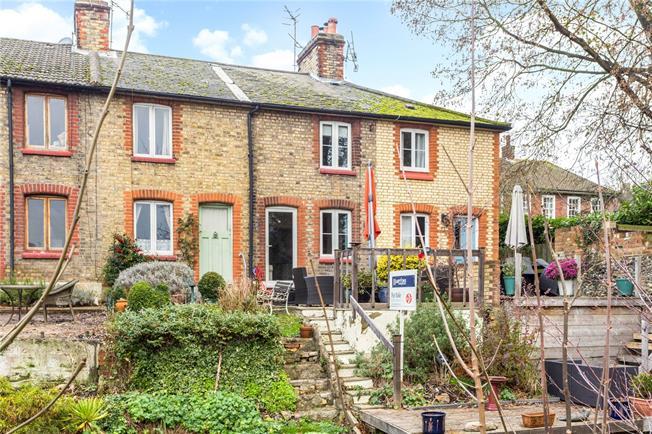 Asking Price £400,000, 2 Bedroom Terraced House For Sale in Shoreham, TN14