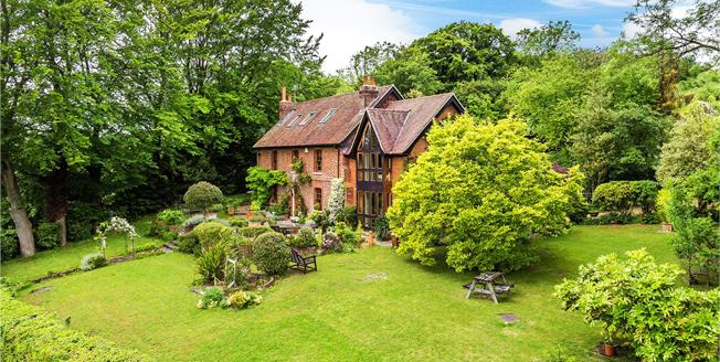 Guide Price £1,500,000, 5 Bedroom Detached House For Sale in Brasted, TN16