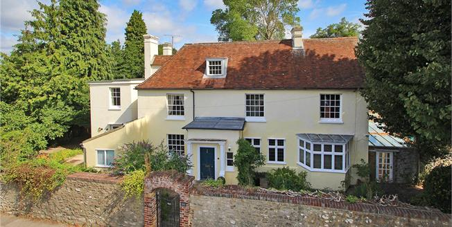 Guide Price £1,350,000, 7 Bedroom Detached House For Sale in East Malling, ME19
