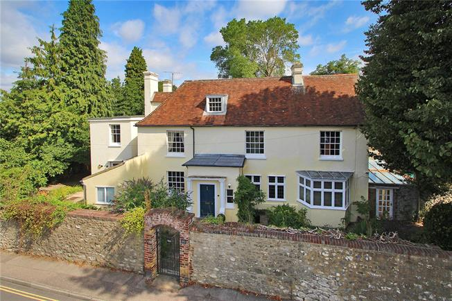 Guide Price £1,400,000, 7 Bedroom Detached House For Sale in West Malling, ME19