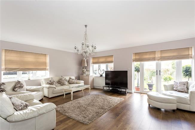 Asking Price £940,000, 5 Bedroom Detached House For Sale in Badgers Mount, TN14