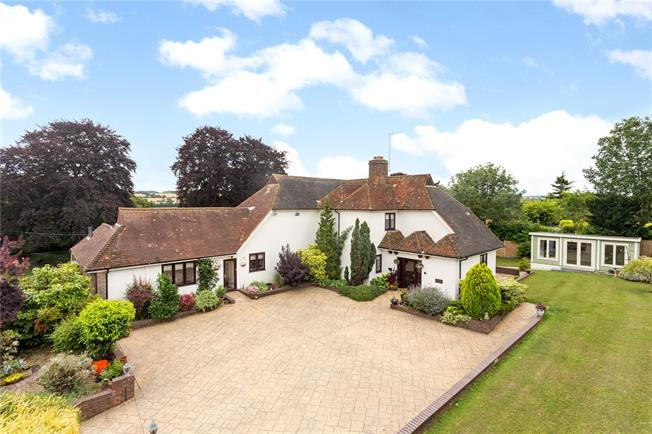 Guide Price £1,250,000, 5 Bedroom Detached House For Sale in Farningham, DA4