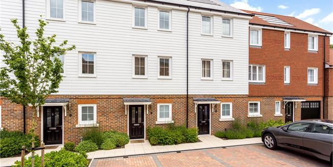 Asking Price £540,000, 3 Bedroom Terraced House For Sale in Sevenoaks, Kent, TN14