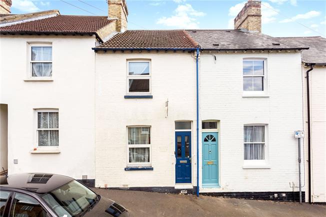 Guide Price £350,000, 2 Bedroom Terraced House For Sale in Sevenoaks, TN13