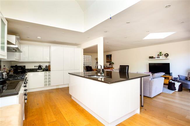 Asking Price £795,000, 3 Bedroom Detached House For Sale in Eynsford, DA4