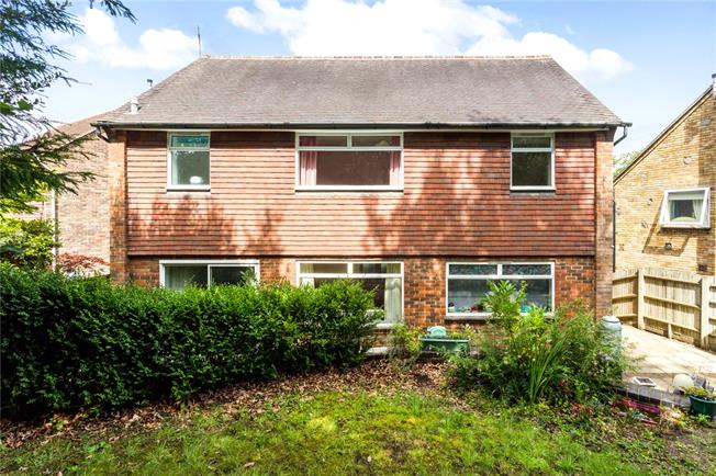 Guide Price £875,000, 4 Bedroom Detached House For Sale in Sevenoaks, TN13