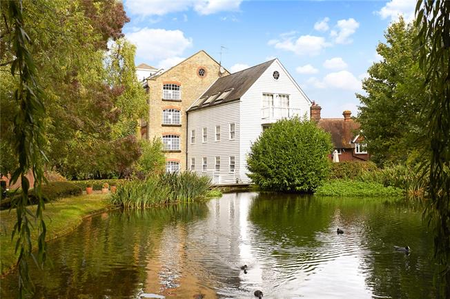 Asking Price £475,000, 3 Bedroom Flat For Sale in East Malling, ME19