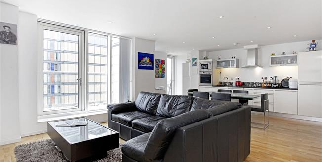 Asking Price £835,000, 2 Bedroom Flat For Sale in London, E14