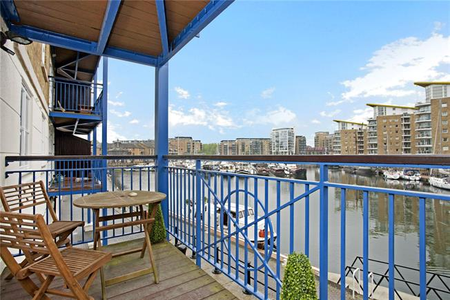Asking Price £470,000, 1 Bedroom Flat For Sale in London, E14