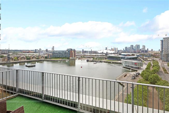 Asking Price £1,300,000, 3 Bedroom Flat For Sale in London, E16