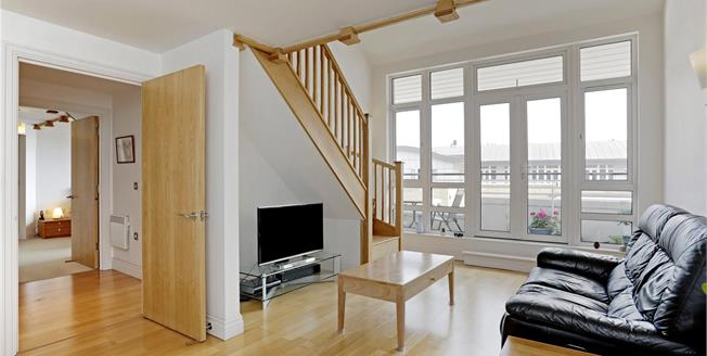 Asking Price £695,000, 2 Bedroom Flat For Sale in London, E14