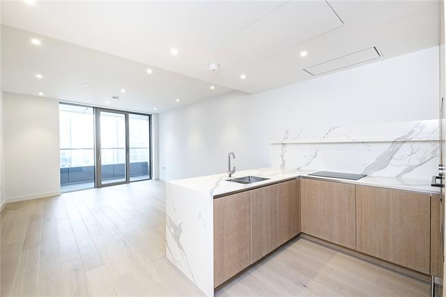 Asking Price £800,000, 1 Bedroom Flat For Sale in 10 Upper Bank Street, E14