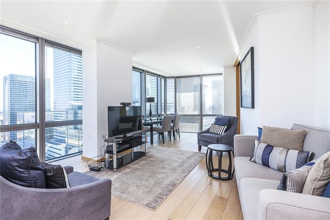 Asking Price £975,000, 2 Bedroom Flat For Sale in London, E14